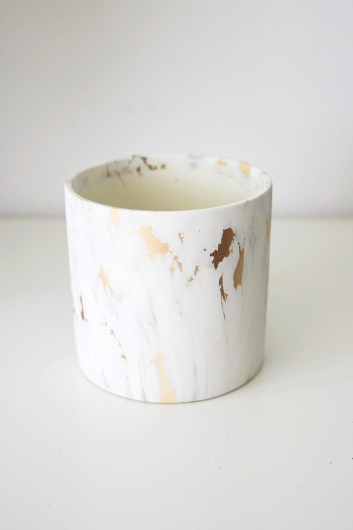 Cache-pot effet marbre pour plantes d'intérieur